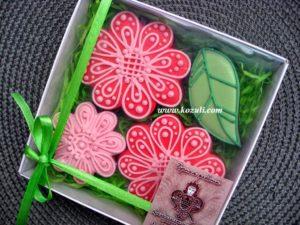Пряники Цветы упаковка, салатовый наполнитель