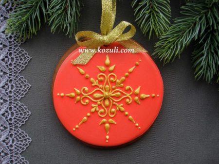 Новогодний пряник на елку Красно-золотой. Новогодние имбирные пряники, новогоднее печенье